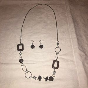Paparazzi necklace and earrings set
